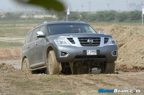 2015-Nissan-Carnival-India-03