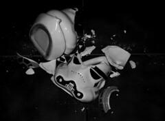 Pain. (any.antares) Tags: trooper cup starwars sad crash r2d2 mug cry taza mal rota
