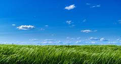 Minimalismo (KitosRD) Tags: sky blue clouds espaa fuji green spain cielo minimalism verde naturaleza paisaje nubes fujifilm minimalismo 1650 xt10