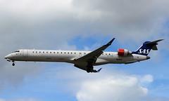 EI-FPB Bombardier CRJ-900 Scandinavian Airlines (R.K.C. Photography) Tags: uk england london unitedkingdom aircraft sk sas lhr airliners crj bombardier scandinavianairlines crj900 egll londonheathrowairport canoneos100d eifpb