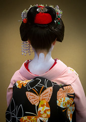 16 Years old maiko back called chikasaya, Kansai region, Kyoto, Japan (Eric Lafforgue) Tags: woman white beautiful beauty face japan vertical female hair asian japanese clothing eyes kyoto colorful asia pretty feminine painted young culture makeup grace indoors teen maiko geisha teenager kimono gion rearview tradition oriental youngadult solitary hairstyle youngwoman apprentice oneperson headwear hairbun elaborate kanzashi 1617years oneyoungwomanonly waistup 1people kansairegion japaneseethnicity unrecognizableperson colourpicture chikasaya japan161706 komayaokiya