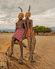 The Arbore (Omo Valley, Ethiopia) (Alex Stoen) Tags: africa travel vacation portrait canon geotagged african culture tribes omovalley tradition ethiopia natgeo paintedface creativelighting arbore pocketwizard nationalgeographicexpeditions 1dx offshoeflash ef1635f28liiusm alexstoen alexstoenphotography canoneos1dx