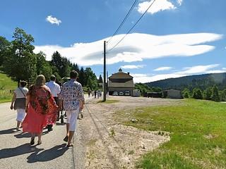 2016-07-09 | the walk to a wedding