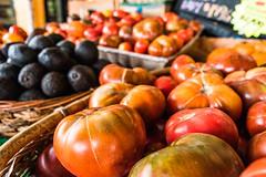 alameda-049.jpg (Yvonne Rathbone) Tags: 1855mmf3556gvr d5500 dansmarket nikkor nikon alameda bounty edible heirloom market orange produce red tomato tomatoes vegetable challengegamewinner technical