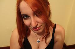 IMG_2499 (Inspiracin dormida) Tags: girl redhair orange hair book pelirroja pelinaranja libro flores black