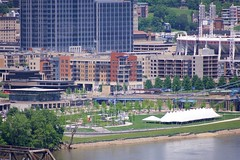 Smale Riverfront Park (Travis Estell) Tags: cbd centralbusinessdistrict cincinnati cincinnatiparks cincyparks currentatthebanks downtown downtowncincinnati ohio smaleriverfrontpark thebanks