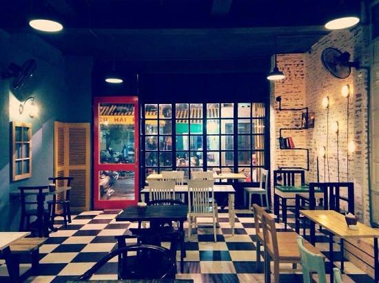 the-doors-cafe