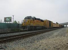 1347 North (vcrailfan1999) Tags: up train trains unionpacific local camarillo railfan freighttrain uprr railfanning gp402 gp40 1374 localfreight lof63 santabarbarasub oxnardlocal unipnpacificgp40 up1374