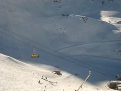autobus suspendu (dbrothier) Tags: mountain snow ski france alps montagne alpes hiver 100v10f neige lesmenuires
