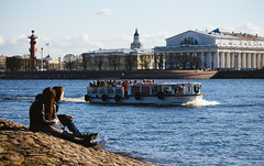 sunny day (red line highway) Tags: city light people canon stpetersburg boat downtown day russia sunny tourists