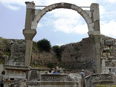 Ephesus_15_05_2008_33 (Juergen__S) Tags: ephesus turkey history alexanderthegreat paulua celcius library romans outdoor antiquity