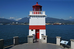 the sunny side of the lighthouse (leuntje) Tags: vancouver britishcolumbia bc canada stanleypark lighthouse brocktonpoint burrard inlet burrardinlet northvan northvancouver brocktonpointlighthouse