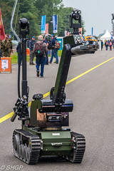 Bomb Disposal Robot, RNLAF, Luchtmachtdagen, Leeuwarden 2016 (harrison-green) Tags: luchtmachtdagen leeuwarden ab netherlands aircraft air show airshow holland dutch viper role demo aviation jet combat canon eos 700d sigma 150500mm vehicle airplane mig29 mig 29 slovak slovakian russian outdoor bomb disposal walle robot