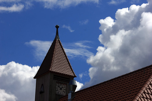 "Uhrturm (01) • <a style=""font-size:0.8em;"" href=""http://www.flickr.com/photos/69570948@N04/28877399566/"" target=""_blank"">Auf Flickr ansehen</a>"
