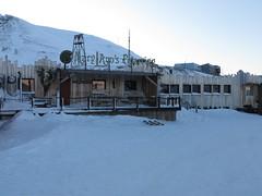 Mary-Ann's Polarrigg (Bernt Rostad) Tags: svalbard spitsbergen longyearbyen polarriggen maryannspolarrigg