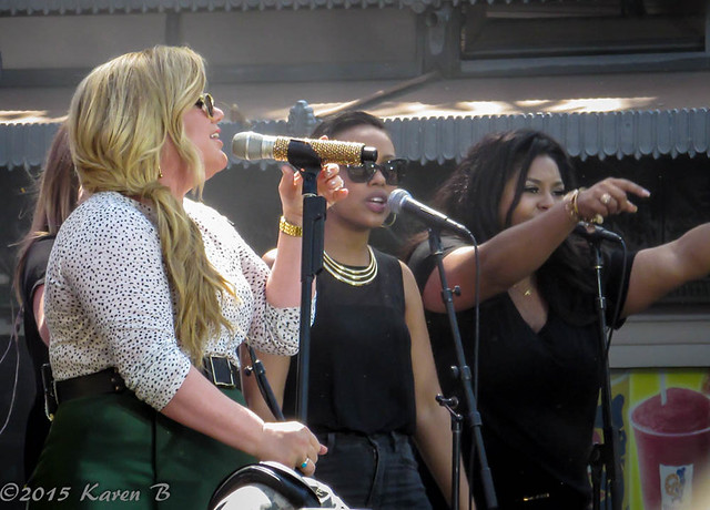 Kelly Clarkson at The Grove Los Angeles 4-1-2015-1