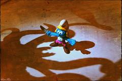 creepy shadows (VintageReflection) Tags: from texture scale monster toy little tales zoom box no chest fear samsung case creepy adventure plastic dont galaxy pirate figure be afraid smurf edition schatten spielzeug tabletop figur buccaneers pirata s4 pirat schlumpf buccaneer kraken schlümpfe schadow seeräuber schlumpfine schleich peyo schlumpfinchen lostillusion75 retrotwin smurfine