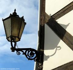 Auenleuchte an Fachwerkhaus im Harz / Deutschland // Outdoor lamp at half-timbered house in the Harz / Germany (photomotivjger) Tags: lamp leuchte quedlinburg outdoorlight ausenleuchte lampelight