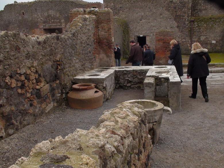 """""""thành phố chết"""" Pompeii"""