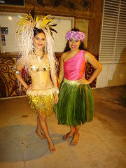 #Oahu #Hawaii #ParadiseCove #Luau (Σταύρος) Tags: 09242011 威夷 हवाई île νησί insel isla oahu オアフ島 오아후섬 oаху 瓦胡島 ハワイ χαβάη 夏威夷 هاواي hawaii כאַווייי гавайи هاوایی thegatheringplace gatheringplace 10days waikiki honolulu island isle paradise aloha mahalo hawaii2011 lei hawaiian leewardcoast windwardcoast southoahu rtw worldtraveler roundtheworld vacation vacanze holiday globetrotter paradisecove luau lū'au feast friends party honokaihale paradisecoveluau hawaiianparty hawaiianmusic kapolei makaha northpacificocean жена femme 女性 mujer kvinna nainen vrou γυναίκα sunset luaudancers huladancers wahini ewabeach huladance northpacific