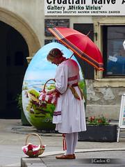 Colours of Zagreb (JCarlos.) Tags: world red color colour umbrella costume rojo typical mundo