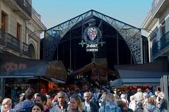 Barcelone : March de la Boqueria (Graffyc Foto) Tags: st de la vacances nikon foto foule f28 marche boqueria cafes vitoria barcelone 1755 d300 josep catalogne 2015 visiteurs marcat vacanciers graffyc
