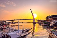 (M.K. Design) Tags: ocean travel sunset sea nature beautiful landscape golden bay pier nikon scenery glow taiwan        tamsui   loversbridge 2015      danshuifishermanswharf   afs2470mm28g d800e