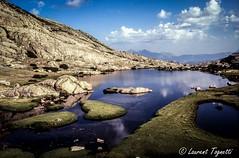 Le magnifique lac de l'oriente (corse) (tognio62) Tags: sky mountain mountains clouds montagne cloudy corse altitude lac ciel nuage nuages rocher pelouse rochers