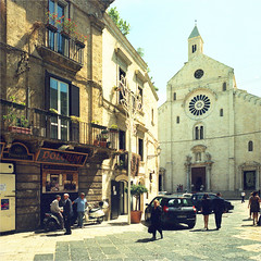 bari (thomasw.) Tags: bari perugia apulien italia italien italy europe europa analog cross crossed mamiya mf 120 travel street