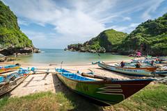 Ngrenehan Beach (petersaputra) Tags: beach indonesia landscape jawa pantai gunungkidul tengah kidul gungung ngrenehan
