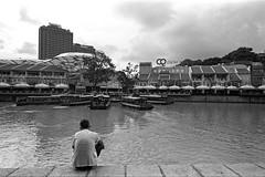 Converging (VLKong) Tags: seagull400 eos1v pakonf135plus hc110dilutionh clarkequaysingapore singaporeriver