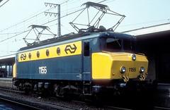 1155  Emmerich  09.04.81 (w. + h. brutzer) Tags: emmerich 11 eisenbahn eisenbahnen train trains railway niederlande holland elok eloks lokomotive locomotive zug ns webru analog nikon