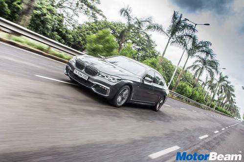2016-BMW-7-Series-03
