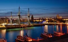 l'Hermione, Bassin des grands yachts, La Rochelle (raphael.chekroun) Tags: blue sky night port la boat lafayette hour larochelle hdr hermione rochelle rochefort fregate lhermione