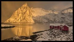 Lofoten - Olstinden gold sunrise (jerry_lake) Tags: snow mountains sunrise lofoten d610 olstinden hamnoya lightroom57 21stmarch2015