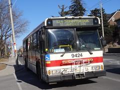 Toronto Transit Commission 9424 on 124 Sunnybrook (Orion V) Tags: ttc