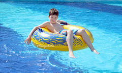 (manyakotic) Tags: park summer sports wet water pool childhood swimming fun outdoors aqua play extreme joy tube happiness slide resort entertainment leisure excitement playful vacations enjoyment lifestyles splashing recreational aquapark