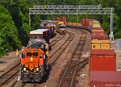 "Westbound Transfer in Kansas City, KS (""Righteous"" Grant G.) Tags: santa city railroad west train ns norfolk railway trains southern kansas locomotive fe bnsf westbound atsf"