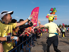 Summer Night Run at Saitama Stadium 2430271.jpg (Joseph Tame) Tags: saitamastadium running summernightrun people friends relayrace