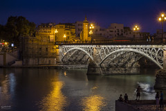 Sevilla 010 (-COULD 2.0) Tags: sigma1750 sevilla andalucia night ngc nocturna rio guadalquivir canon650d c