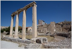 4 colonnes (Christophe Hamieau) Tags: athens athnes europe greece grce labibliothquedhadrien antic antiquit greektemple pierres ruin ruine ruines ruins stones templegrec