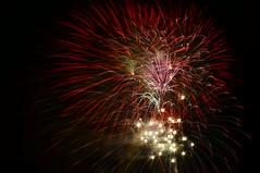Grand Finale (FiddleHiker) Tags: longexposure pink light red usa white minnesota blackbackground fireworks nightphoto 4thofjuly independenceday applevalley