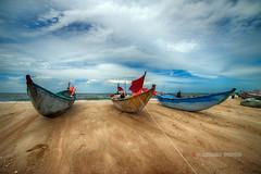 _U1H2996 Phước Hải Vũng Tầu 0616 (HUONGBEO PHOTO) Tags: canoneos1dsmark3 samyang14mmf28 vũngtầu làngchàiphướchải bầutrời thuyền làngchài ngoàitrời phongcảnhbiển sky clouds beach fishingvillage boat outdoor seascape