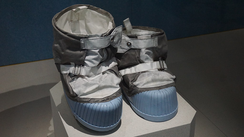 moon boots for astronauts - photo #19