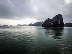 Ha Long Bay 08 (arsamie) Tags: vietnam halong bay sea water island dragon reflection green blue bad weather fog cloud