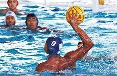 Ready (guanaeslucas) Tags: abda canon dslr água natação polo water watersports waterpolo aquático brasil brazil bauru esportes sports goal gol bola ball