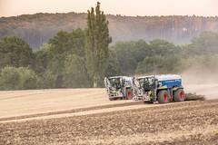 Xerion-Race (Fotos aus OWL) Tags: tractor traktor landwirtschaft claas biogas düngen xerion landtechnik