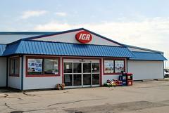 Hartzell's IGA Supermarket (Cragin Spring) Tags: iga supermarket grocerystore grocery hartzellsiga northernillinois illinois il midwest sign warren warrenil warrenillinois unitedstates usa unitedstatesofamerica