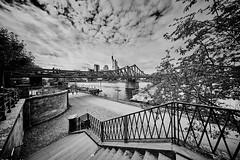 Frankfurt  Eiserner Steg b&w (rainerneumann831) Tags: eisernersteg frankfurt treppe main skyline blackwhite