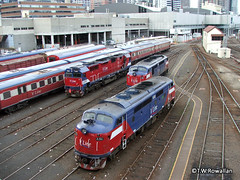 N & A class at Southern Cross (DQ2004) Tags: southerncrossstation vline nclass aclass vlinepassenger